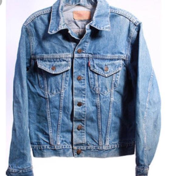 9d06b600875d Levi s Jackets   Blazers - Levi s denim jacket